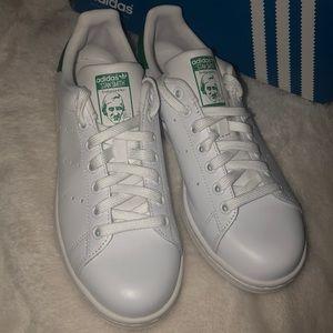stan smith women's adidas shoe